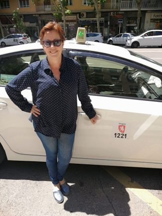 PILAR CATALAN TAXISTA